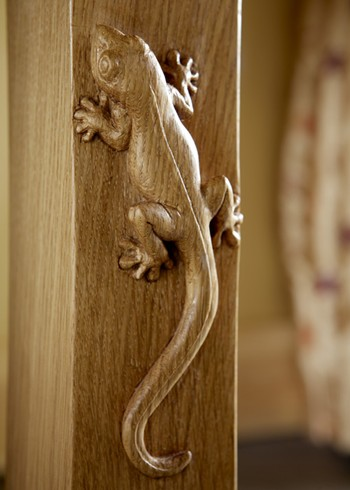 Oak gecko carving detail